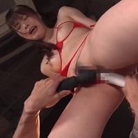 おっぱいもあそこも丸見えなセクシーな下着のスレンダーな女の子が、鮫島さんにバイブや電マで過激に責められてアソコを濡らしながら何度もイッちゃいます。